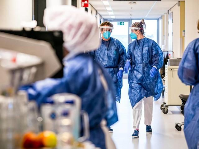 Coronanieuws: Hoogste aantal coronapatiënten in ziekenhuizen sinds januari