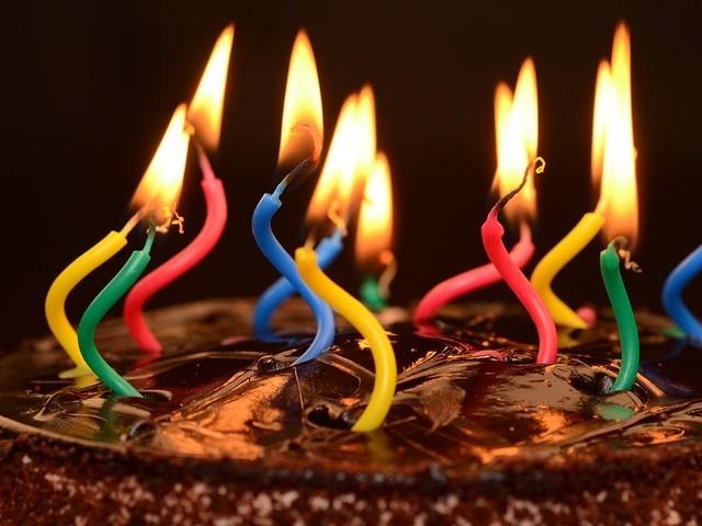 Knab viert vijfde verjaardag