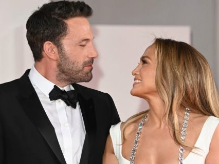 Jennifer Lopez & Ben Affleck Make First Re-Coupled Red Carpet Appearance On Anniversary Of Canceled Wedding