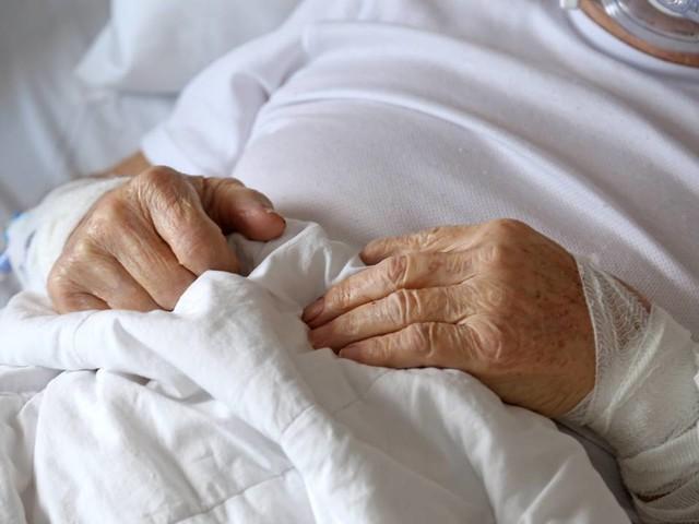 Coronanieuws: iets minder coronapatiënten in ziekenhuizen