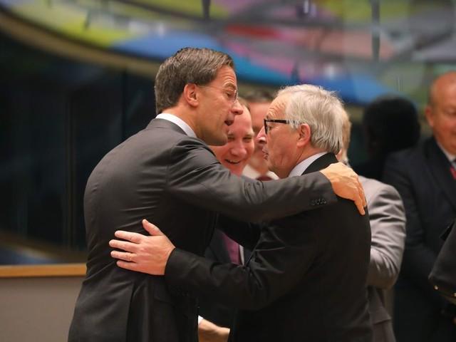 Jean-Claude Juncker tegen Nederland: Hef de Schengenblokkade tegen Roemenië op