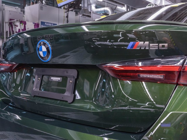This is how the BMW i4 is being built at the Munich Plant