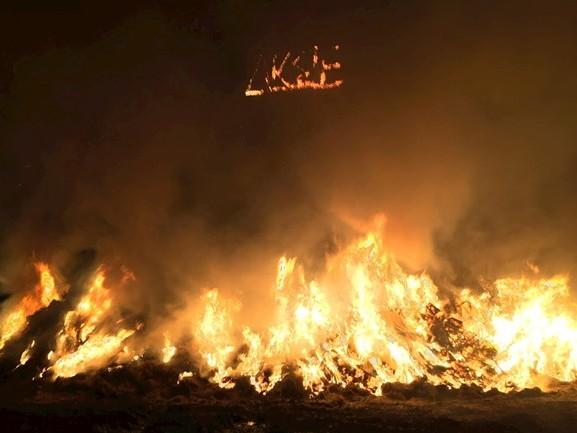 Brandweer bedreigd tijdens blussen van illegaal paasvuur in Wierden