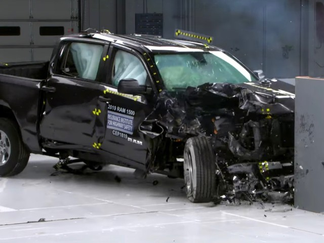 Ford F-150, Nissan Titan and Ram 1500 top IIHS passenger side test