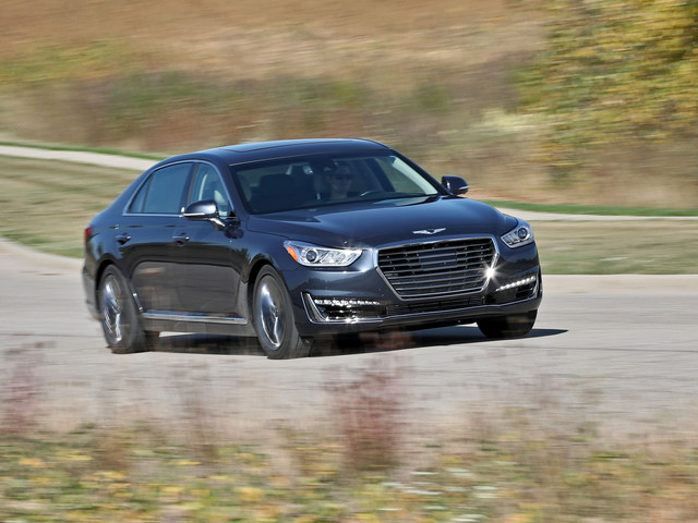 2017 Genesis G90 in Depth: Luxurious and a Good Value