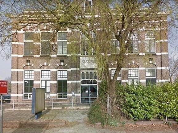Linkse fracties in Almelo houden vraagtekens bij verkoop Kolkschool