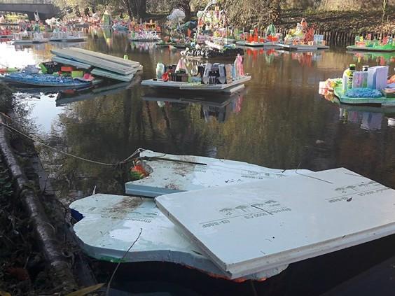 Drijvend kinderkunstwerk GLOW vernield door vandalen: 'Dit is gewoon triest'