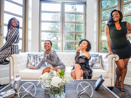 For The Naturalistas: Design Essentials Celebrates New Platinum Collection With Swanky Soiree
