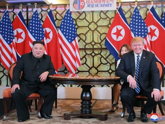 Trump verrast zijn eigen mensen met het paaien van Noord-Korea