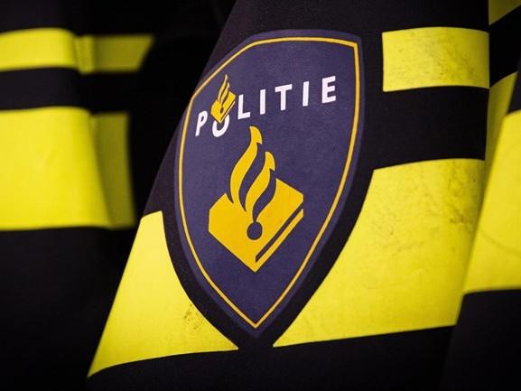 Omstanders houden dronken bestuurder in bedwang na aanrijding in Vriezenveen