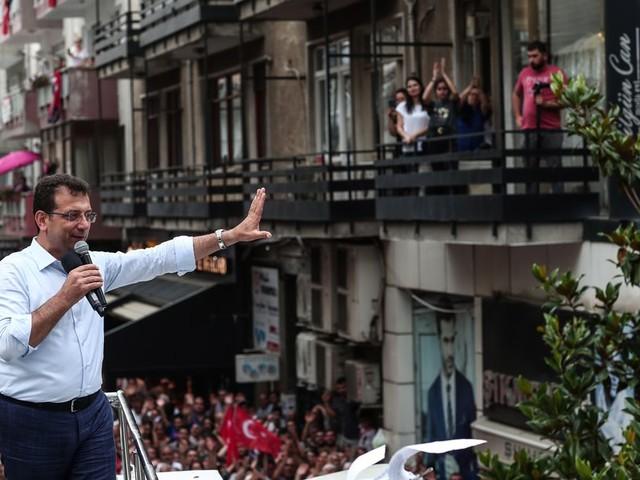 De oppositiekandidaat in Istanbul gebruikt nu de methode-Erdogan
