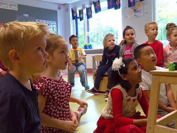 Engelse les voor kleuters: basisscholen spelen in op komst internationals