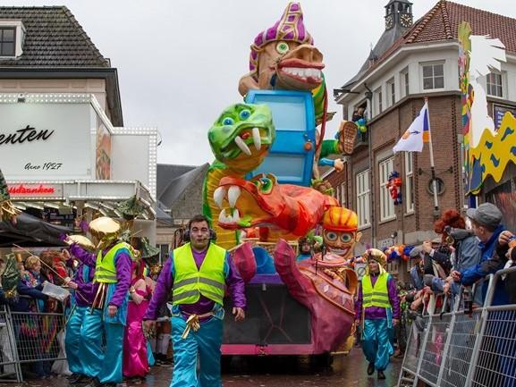 Carnavalsoptochten afblazen of niet? Burgemeesters waarschuwen voor storm Ellen