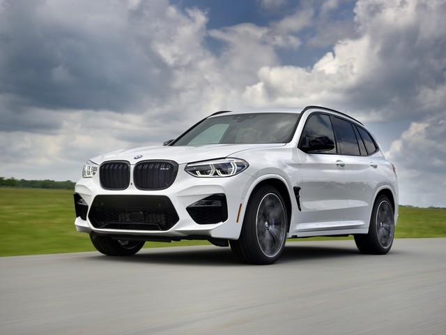 Video: CarWow Tests the new BMW X3 M and X4 M Models