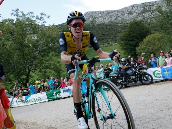 'Stevie heeft het super gedaan', Steven Kruijswijk maakt indruk tijdens helse bergetappe in Vuelta
