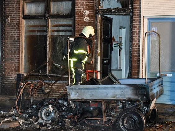 45km-wagentje en huis branden uit in Tilburg