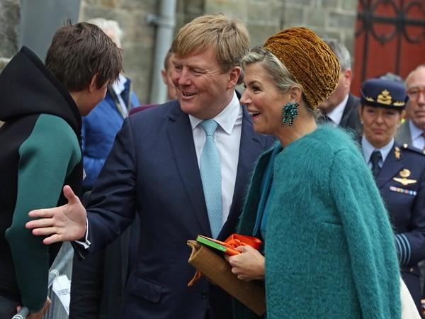 Provinciebestuurders Overijssel op nieuwjaarsreceptie koning en koningin