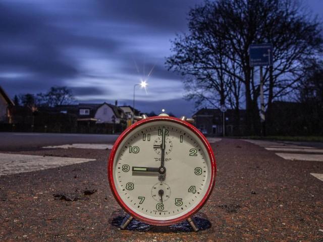 Coronanieuws: 'Nederland in derde golf', avondklok verlengd tot 15 maart