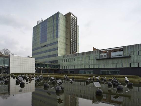 TU Eindhoven neemt voorlopig alleen vrouwelijke wetenschappers aan