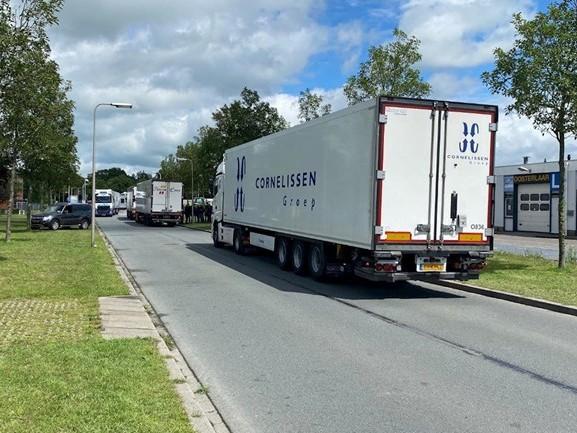 Laatste boeren in Zwolle door politie weggestuurd vanwege noodbevel