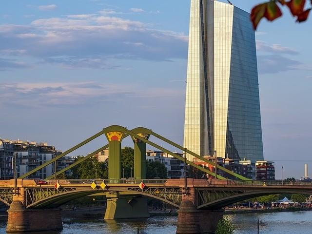 Vijf jaar negatieve rentetarieven: betalingen aan Europese Centrale Bank kosten Nederlandse banken 2,2 miljard