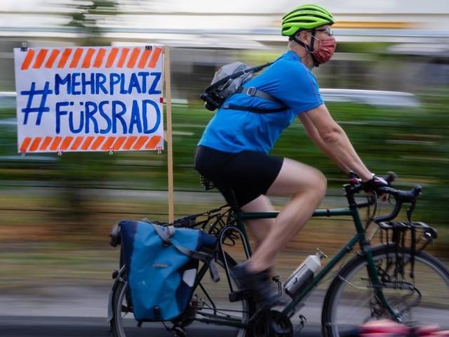 Politie Berlijn wil kenteken voor fiets in strijd tegen agressie