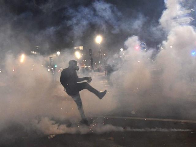 Franse agenten alsnog voorgeleid voor mishandeling van zwarte man