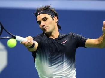 Federer wankelt maar blijft overeind