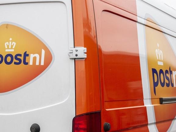 PostNL sluit sorteerplaats in Deventer, 140 werknemers naar andere plek
