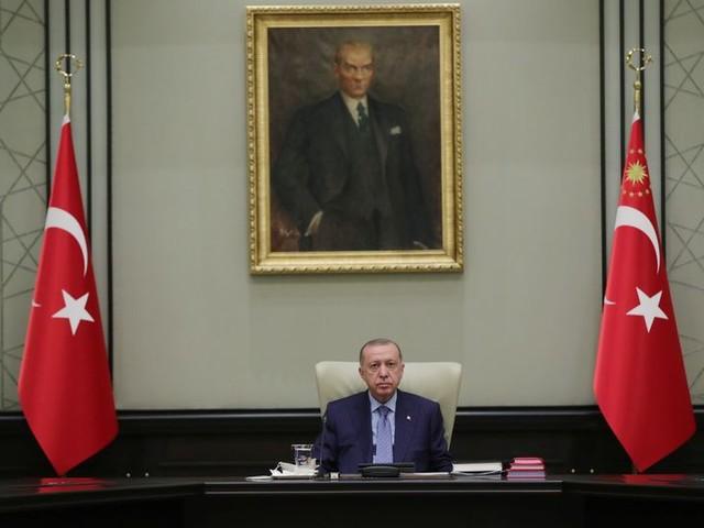 Westerse ambassadeurs mogen van Erdogan toch in Turkije blijven