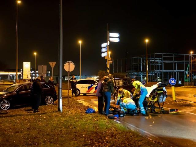 Fietser zwaargewond na botsing met auto in Drunen