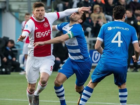 Lozano kreeg rood tegen Heerenveen, maar waarom Huntelaar tegen PEC Zwolle niet?