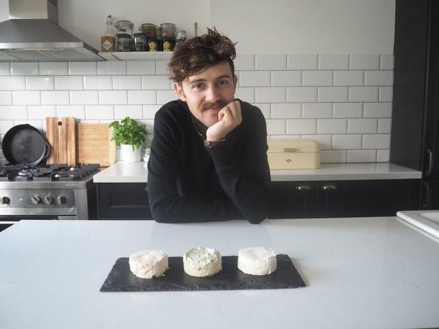 Hij experimenteerde als een gek, en nu is er kaas voor veganisten