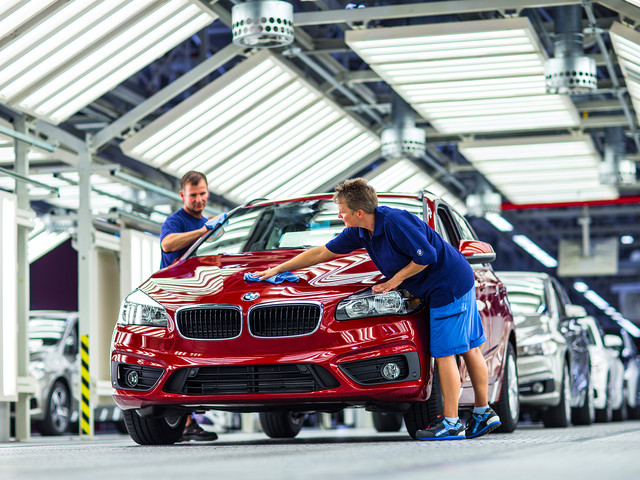 BMW to Start Building Debrecen Plant In 2020