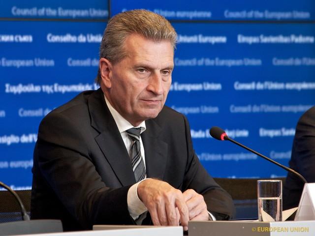Oettinger sluit korting voor Nederland niet uit