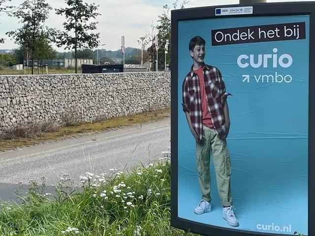 Spelfout op billboard van school: dit zijn meer reclameblunders