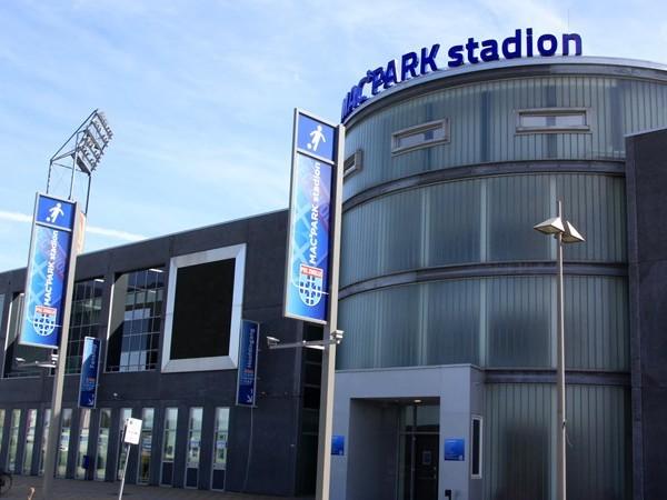 Eredivisietopper vannacht al begonnen: vuurwerk in Dalfsen voor spelers PSV