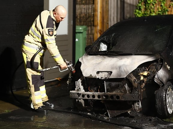 Zwolse wijk Stadshagen opgeschrikt door tweede autobrand in twee dagen tijd
