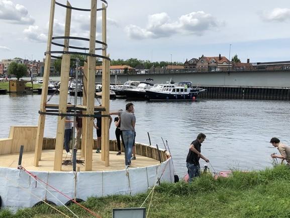 Sprookjesstoet Bosch Parade over het water in Den Bosch keert terug met ongenode gasten