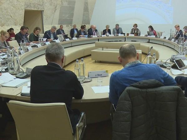 Het rommelt weer in Hellendoorn: raadsvergadering geschorst na persoonlijke aanvallen
