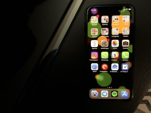"""Apple: """"Inbranding en kleurveranderingen op iPhone X zijn normaal"""""""