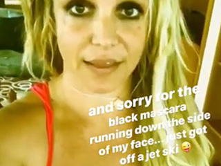 Bizarre Britney Suggests Paparazzi Pix Of Her Are FAKE!