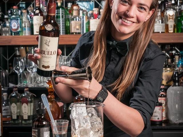 Nederlandse Tess genomineerd voor 'best bartender'
