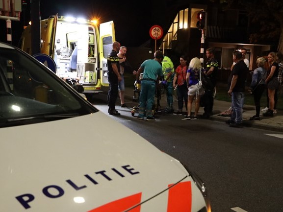 Voetganger aangereden in Waalwijk, bestuurder auto rijdt door
