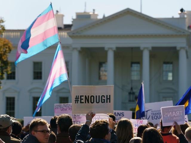 Hooggerechtshof VS bepaalt: regering mag transgenders weren uit het leger