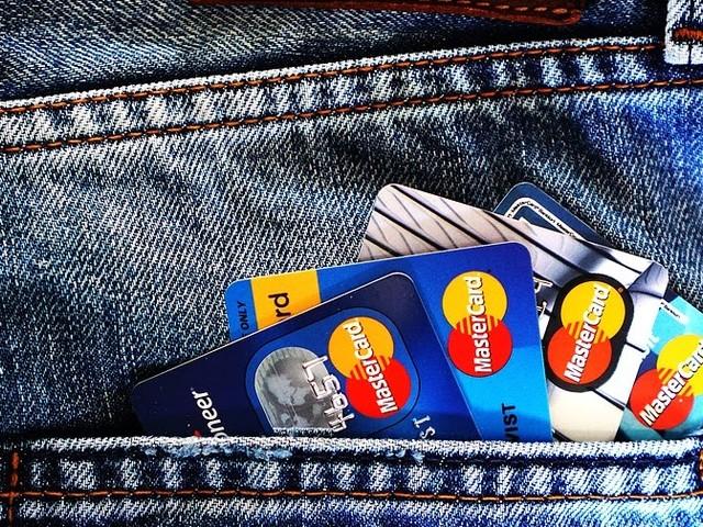 ACM aangewezen als toezichthouder op afwikkelvergoedingen voor betalingen met debet- en creditkaarten