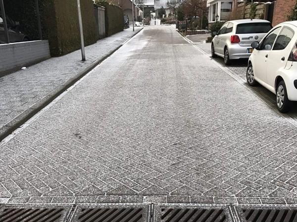 KNMI geeft code geel af, waarschuwing voor gladheid door sneeuw en mogelijk ijzel