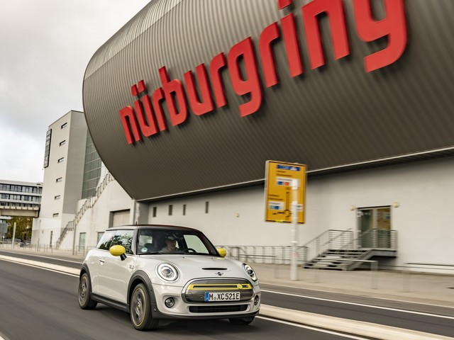 MINI Cooper SE to lap Nurburgring with without braking
