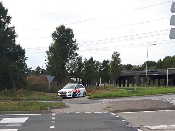 Fietser naar het ziekenhuis na aanrijding Zevenbergen, politie zoekt doorrijder met witte auto