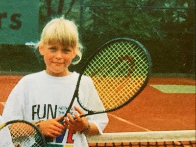 Anna-Lena Groenefeld shares a childhood tennis photo as she officially hangs up her racquet
